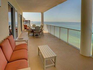 Luxury 4 Bedroom Condo at Quiet - Family Friendly Ocean Ritz! Free WiFi and Rese