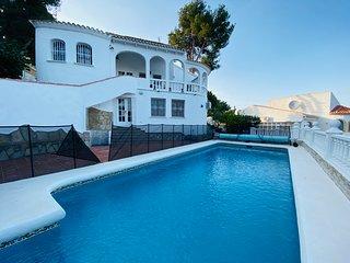 Modern Vila,big hot water swimming pool