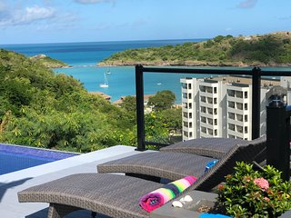 Bay View Private Luxury Villa w/ Infinity Pool & Complementary Airport Transfer