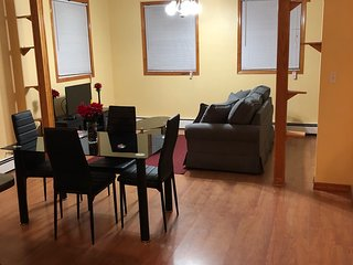Entire 2 Bedroom Apartment W/Balcony mins from Liberty State Park & Cruise Port
