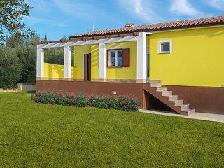 Beautiful home in Krnica w/ 2 Bedrooms (CIO903)