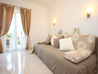 Donje Celo Apartment Sleeps 5 with Air Con and WiFi - 5460427
