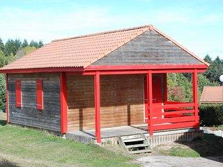 Un chalet 3 pièces, 2 chambres, séjour, salle d'eau, 1 terrasse...