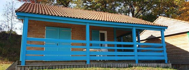 Un chalet 3 pièces, 2 chambres, séjour, salle d'eau, 1 double terrasse...