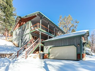 Moonridge Mountain Retreat Spacious 4 BR Modern Ski Chalet