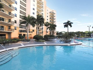 A Tropical Golf and Spa Haven at the Palm Aire: 1 Bd Condo (NO Resort Fees!)