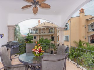 2 BR Ocean View Condo in the heart of Tamarindo! (SR 11)