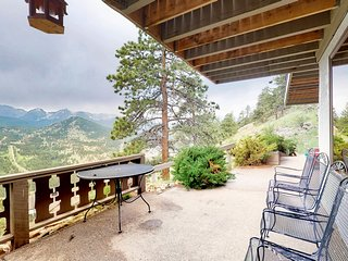 Cozy mountain home w/ a full kitchen, fireplace, furnished patio w/ views