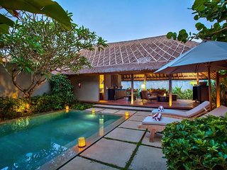 2 BR Luxury Villa with Private Pool and Breakfast