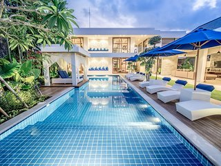 5BR Family Luxury Villa with private Pool and Breakfast