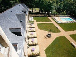Appartement dans la Tour du Château avec Cuisine Equipée !