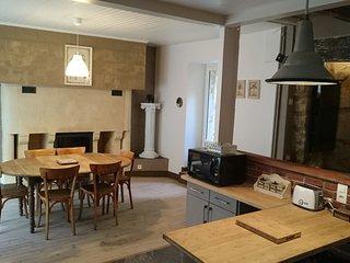 'LA ROCA' charmante maison de village