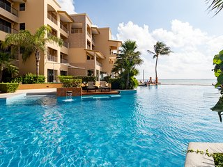El Faro Residences. Penthouse with private pool