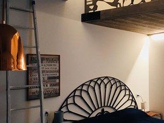 Rubino Room