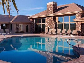 Endless Summer- 2 Pools and Spas Near Zion NP and Sand Hollow
