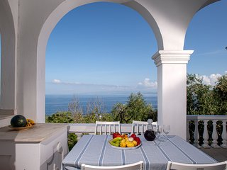 Paxosblue. Selene, Sea View apartment with private garden.