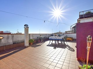 Stunning apartment in Napoli - Cap generic w/ 1 Bedrooms (IKN111)
