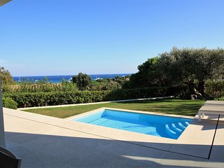 Modern six bed Villa with Pool and Sea View close to Pampelonne Beach