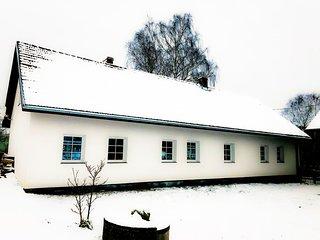 Guzstock House