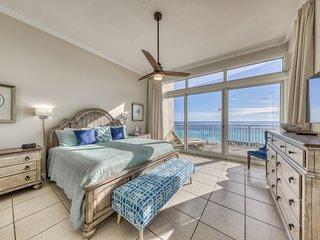 Beachfront condo w/private balcony, Gulf views & on-site shared amenities!