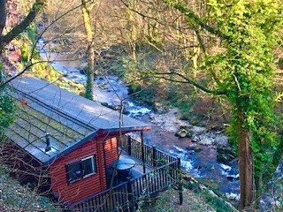 Secluded Riverside Lodge within walking distance of Lynton & Lynmouth Centres