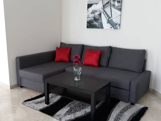 Fantastic Fully Furnished Apartment Oasis *****
