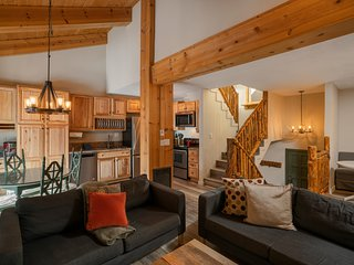 Just Remodeled 2 Bedroom and Loft at Canyon Lodge Lifts