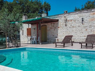 Nice home in San Vito dei Normanni w/ Indoor swimming pool and 1 Bedrooms (ISA31
