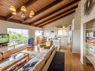Updated 3BR w/ Ocean Views, Deck, & Ping Pong Table–Near Embarcadero &  Beach