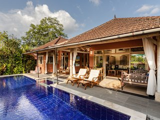 Devi's Place Ubud - Private Villa Bella with rice field views, pool, wifi