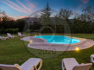 Amazing home in Graberje Ivanicko w/ Outdoor swimming pool, Sauna and 7 Bedrooms