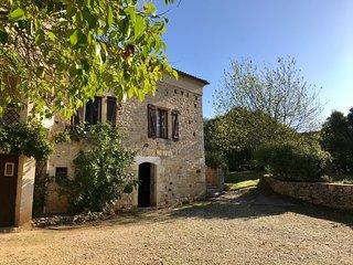 Chez Louis Gites - Le Figuier - Pretty stone gite - Sleeps 4/5 - Wonderful pool