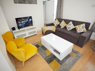 KEY WORKERS Contractors2 Bedroom, First Flr Apartment, Free Wifi Free Parking
