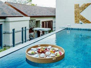 Stunning Luxury Three-Bedroom Villa with Daily Car Use
