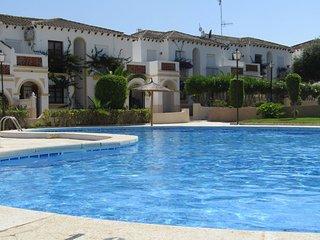 Cosy bungalow in Mirador del Mediterraneo, Orihuela Costa