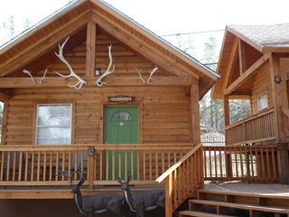 Antlers Crossing #4 Mountain Cabin - Cozy Cabins Real Estate, LLC.