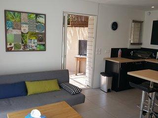 Studio moderne avec jardin privatif