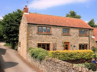 The Old Granary, Gillamoor. Sleeps 4 , Spacious with charm and character.