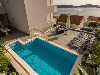 Superior luxury villa with pool ****