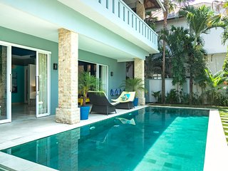Huge and Stylish 3BR Villa Canggu Walk to Beach!