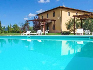 Beautiful apartment in Vinci w/ Outdoor swimming pool and 2 Bedrooms (ITF049)