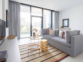 Cozy & Spacious Apartment in Burj Khalifa District