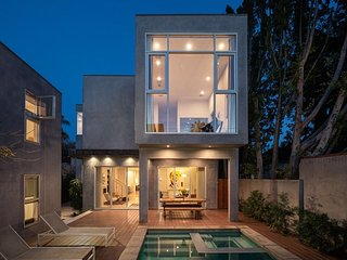 Beautiful Home In Hart Of West Hollywood Near Shops Walking Distance