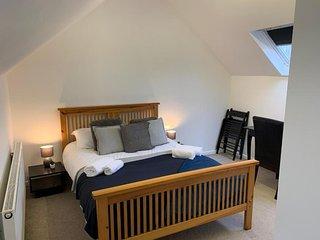 Wellfield Blooms Cardiff Loft Room