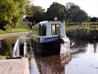 Luxury Narrowboat Hire - Cheshire