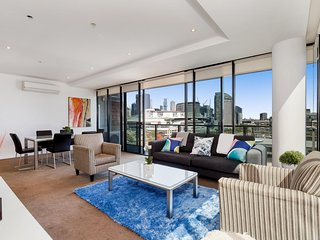 Water-Front Apartment In The Heart of Docklands