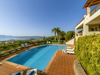 Panoramic View,Comfortable,cozy,pool,ideal for family