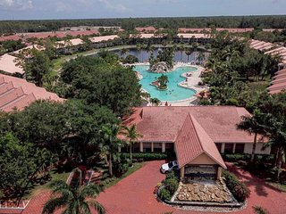 First Floor Condo - within 1 min walking distance from resort style pool