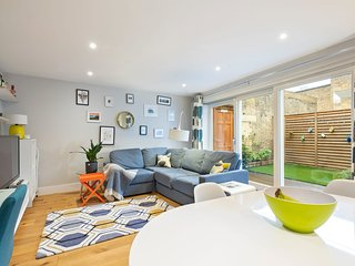 Stunning 1-Bed Apt with Private Patio in Clapham