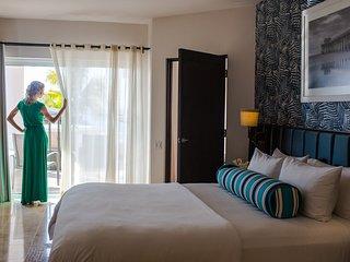 One Bedroom Ocean Front Suite on Medano Beach